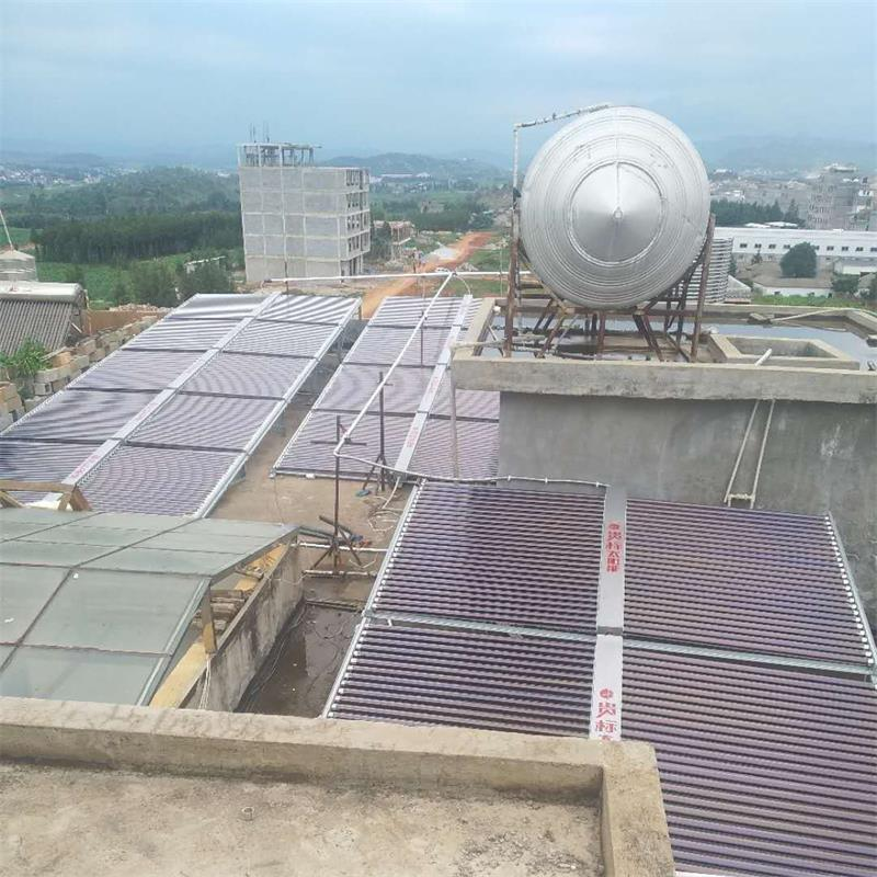 云南沧源550管太阳能15匹热泵热水系统安装